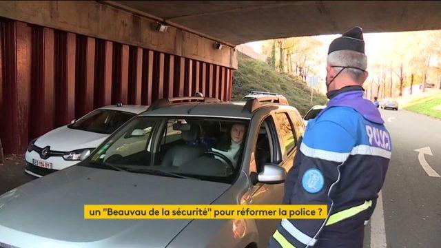 Police : Emmanuel Macron tente de calmer le jeu