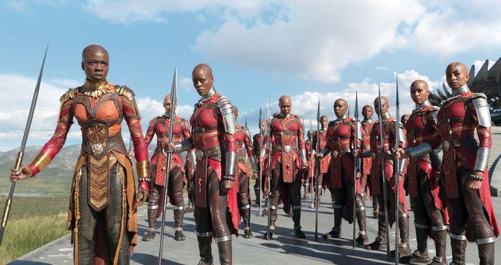 """Danai Gurira et Florence Kasumba dans """"Black Panther"""" de Ryan Coogler  (Marvel Studios 2018)"""