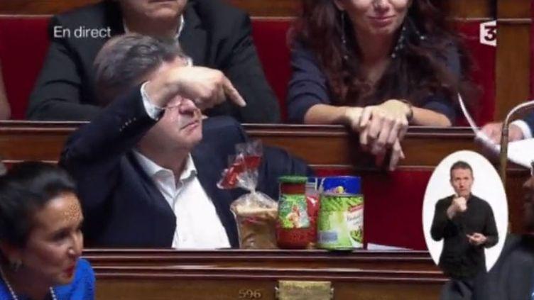 Les accessoires qui font mouche à l'Assemblée (FRANCEINFO)