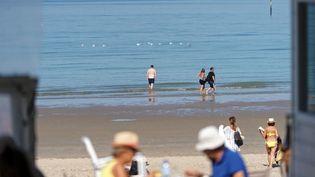 La plage de Malo-les-Bains à Dunkerque (Nord) lors d'une vague de chaleur, le 15 septembre 2020. (SYLVAIN LEFEVRE / HANS LUCAS / AFP)