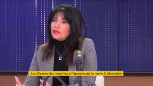 Samia Ghali, sénatrice des Bouches-du-Rhône, maire des 15e et 16e arrondissements de Marseille était l'invitée de franceinfo le 24 novembre (FRANCEINFO / RADIO FRANCE)