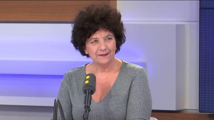 Frédérique Vidal,ministre de l'Enseignement supérieur et de la recherce, invitée de franceinfo, lundi 30 mars 2020. (FRANCEINFO / RADIOFRANCE)