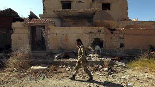 Un soldat libyen dans les rues deBenghazi, le 23 février 2016. (ABDULLAH DOMA / AFP)