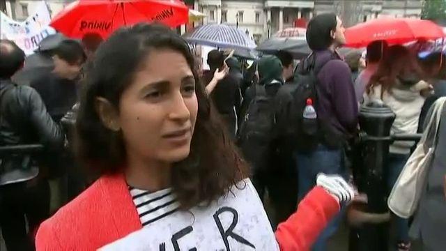 Plusieurs centaines de Londoniens anti-Brexit rassemblés à Trafalgar Square