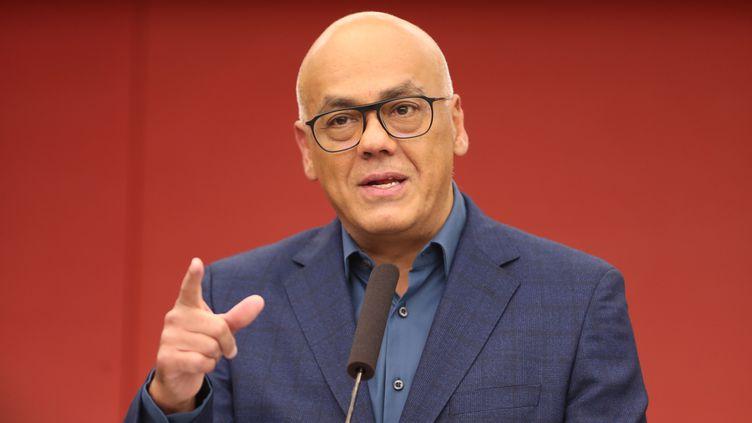 Le ministre de la communication vénézuelien, Jorge Rodriguez. (RAUL MARTINEZ / EFE)