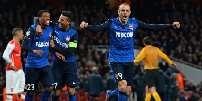 Berbatov termine le travail face à Arsenal