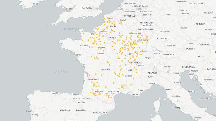 Dans 311 communes, Emmanuel Macron et Marine Le Pen ont obtenu exactement le même nombre de voix au second tour de l'élection présidentielle, le 7 mai 2017. (CARTO / FRANCEINFO)