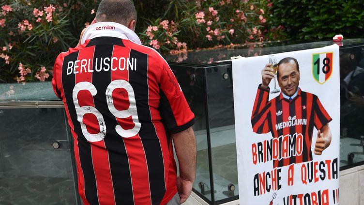 Silvio berlusconi et le Milan AC, bientôt de l'histoire ancienne. (GIUSEPPE CACACE / AFP)