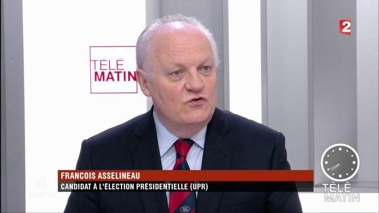 François Asselineau, président de l'Union populaire républicaine (UPR) et candidat à l'élection présidentielle, est l'invité de Jeff Wittenberg dans les 4 Vérités, ce vendredi 17 mars.  (France 2)