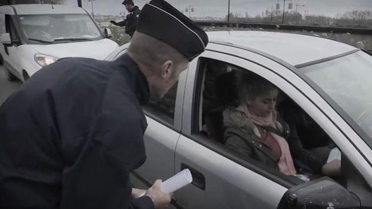 Couvre-feu : attestation de déplacement, mode d'emploi (FRANCEINFO)