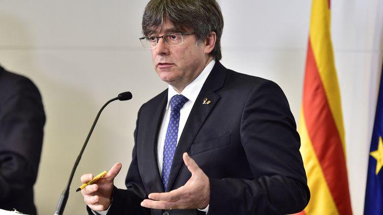 Carles Puigdemont, ancien président de la Catalogne (Espagne), lors d'une conférence de presse à Perpignan (Pyrénées-Orientales), le 9 octobre 2020. (RAYMOND ROIG / AFP)
