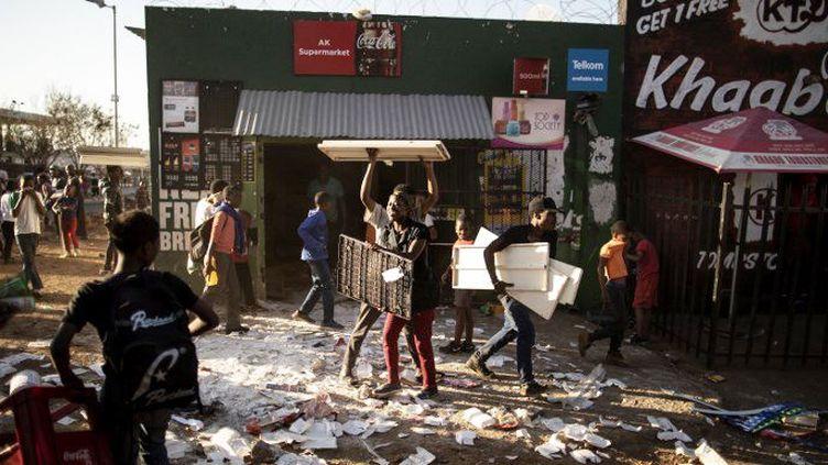 Scène de pillage à Soweto le 29 août 2018. (Marco Longari)