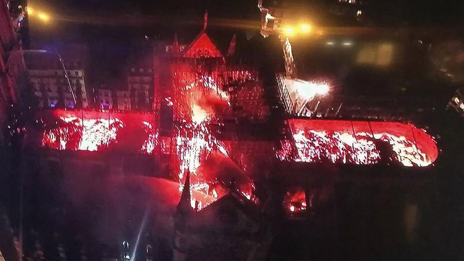 """L'incendie de Notre-Dame, tous les ingrédients d'une """"belle histoire"""" pour les réalisateurs et producteurs de cinéma"""