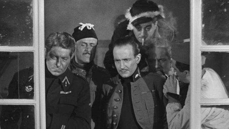 "Jean Gabin, Gaston Modot, Pierre Fresnay, Carette, Dalio dans ""La Grande illusion"" de Jean Renoir  (Carlotta Films)"