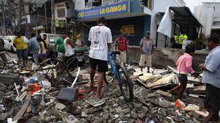 Des centaines et des centaines d'habitations se sont effondrées dans de nombreuses villes du pays.L'état d'exception a été décrété par les autorités. (JOSE JACOME / SIPA)