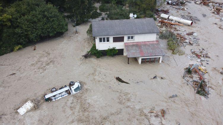 Des dégâts causés par la tempête Alex dans le secteur de Roquebilière(Alpes-Maritimes), le 3 octobre 2020. (SEBASTIEN BOTELLA / AFP)