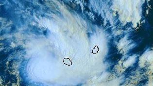 Une animation satellite montrant l'arrivée de la tempête Haliba sur les côtes de La Réunion, le 9 mars 2014. ( METEO FRANCE)