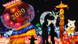 Des décorations pour le Nouvel An, le 31 décembre 2019 à Shenyang (Chine). (AFP)