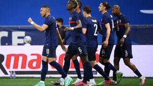 Kylian Mbappé a marqué le premier but des Bleus face aux Gallois. (FRANCK FIFE / AFP)