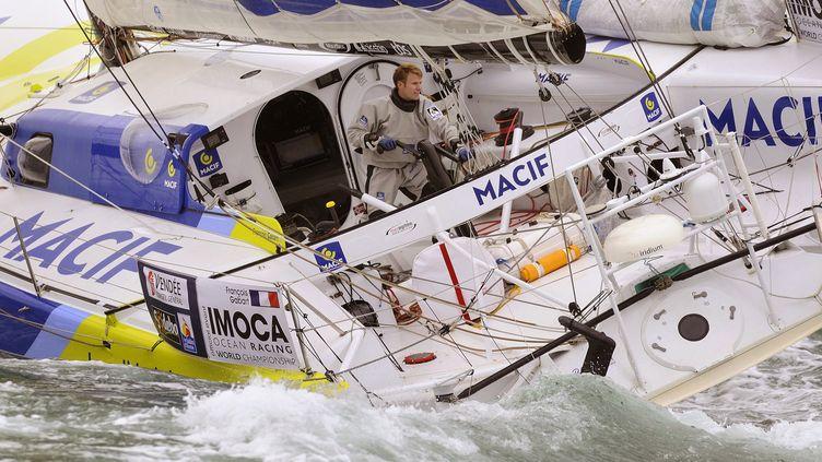 Francois Gabart s'attaque au Vendée Globe aux Sables d'Olonne, le 10 Novembre 2012 (JEAN-SEBASTIEN EVRARD / AFP)