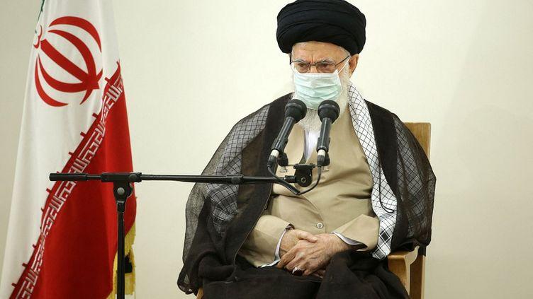 Le guide suprême iranien Ali Khamenei à Téhéran (Iran), le 25 juin 2021. (IRANIAN LEADER PRESS OFFICE / ANADOLU AGENCY / AFP)