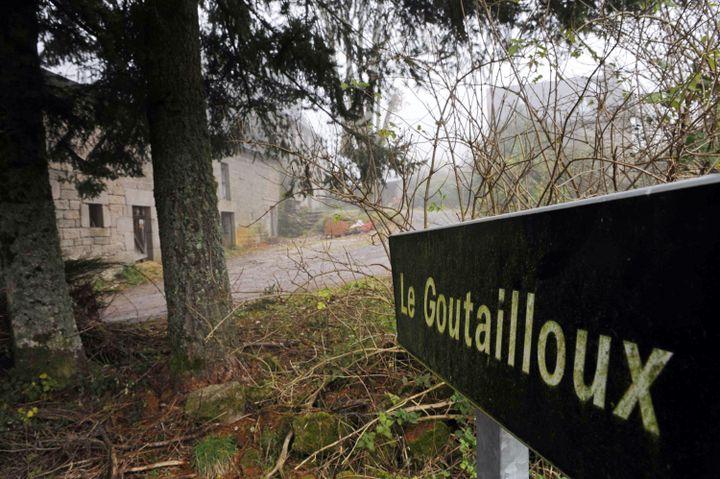 """La ferme du """"Goutailloux"""", où vit le """"groupe de Tarnac"""", le 16 novembre 2008. (THIERRY ZOCCOLAN / AFP)"""
