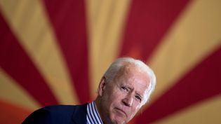 Joe Biden, à Phoenix, en Arizona, le 8 octobre 2020. (BRENDAN SMIALOWSKI / AFP)