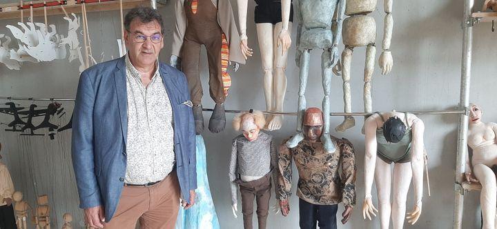 Philippe Sidre, directeur de l'école supérieure nationale des arts de la marionnette (Sébastien Baer/ FRANCEINFO)