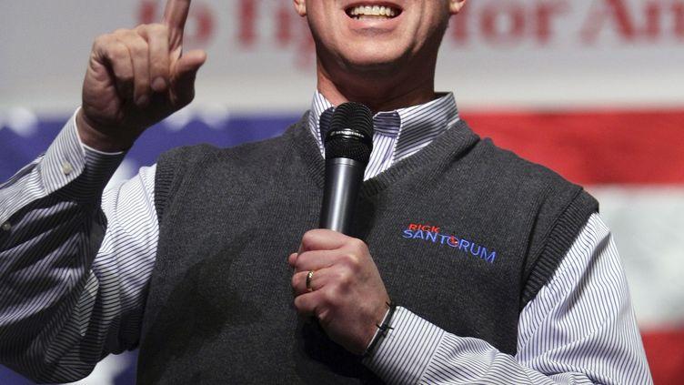 Le candidat à l'investiture républicaine Rick Santorum lors d'un discours à Boise, dans l'Idaho (Etats-Unis), le 14 février 2012. (BRIAN LOSNESS / REUTERS)