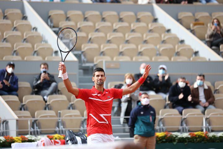 Novak Djokovic, tout sourire, a remporté son deuxième titre à Roland-Garros