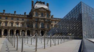 La façade du musée du Louvre, le 23 juin 2020, à Paris. (THOMAS SAMSON / AFP)