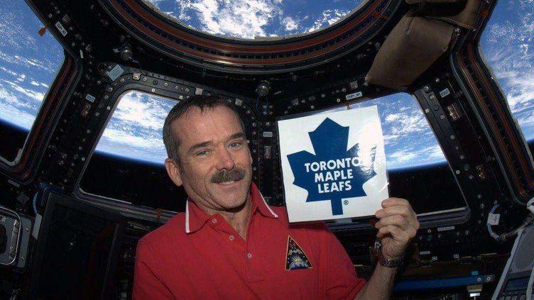 L'astronaute canadien Chris Hadfield, visiblement en forme, apparaîtsur l'une des photographies postées sur son compte Twitter, le 6 janvier 2013. (CMD. CHRIS HADFIELD / AP / SIPA)
