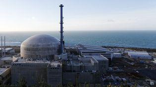Le troisième réacteur nucléaire de Flamanville, dans la Manche, en novembre 2016. (CHARLY TRIBALLEAU / AFP)