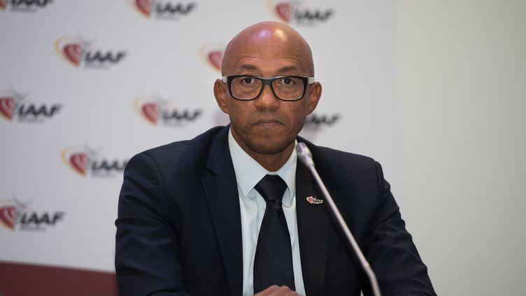 Frankie Fredericks lors d'une conférence de l'IAAF