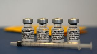 Des doses du vaccin de Pfizer-BioNTech à Suhl (Allemagne), le 6 mai 2021. (CHRISTOF STACHE / AFP)
