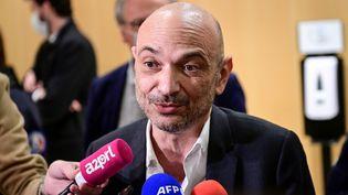 Richard Malka, l'avocat de Charlie Hebdo après l'énoncé du verdict du procès des attentats de janvier 2015, au palais de justice de Paris, mercredi 16 décembre 2020. (MARTIN BUREAU / AFP)