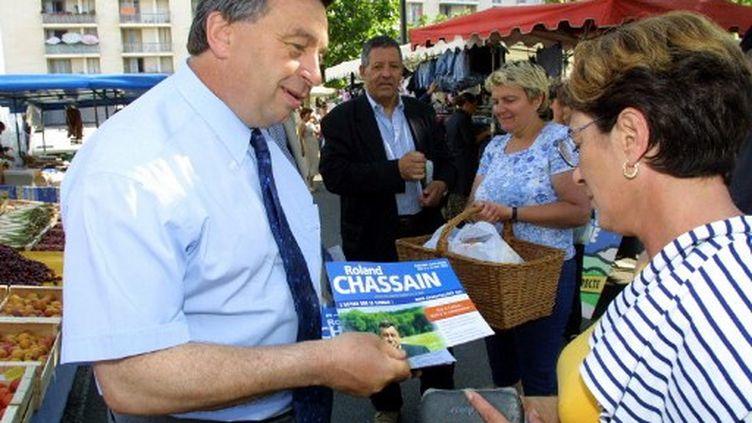 Roland Chassain, maire des Saintes-Maries-de-la-Mer et candidat de l'UMP en juin 2002 (illustration) (ANNE-CHRISTINE POUJOULAT / AFP)