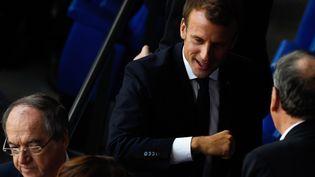Emmanuel Macron et Noël Le Graët le 7 juillet 2019 au Lyon Stadium. (JEAN-PHILIPPE KSIAZEK / AFP)