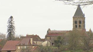 Saône-et-Loire : une cagnotte en ligne pour aider une commune endettée (France 2)