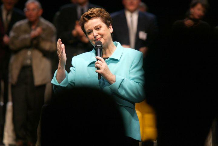 Christine Boutin lors d'un meeting pour l'élection présidentielle, le 27 janvier 2002 à Paris. (MAXPPP)