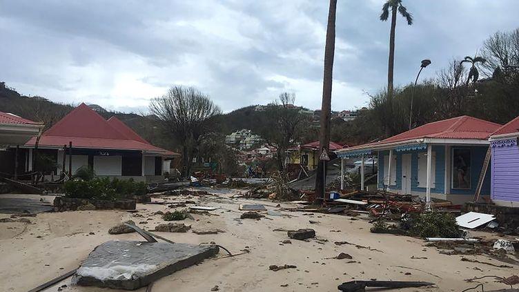 Le quartier de Gustavia, à Saint-Barthélemy, touché par l'ouragan Irma, ici le 7 septembre 2017. (AFP / KEVIN BARRALLON / FACEBOOK)