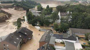 Un quartier de la ville d'Erftstadt-Blessem, près de Cologne (Allemagne) le 16 juillet 2021. Les inondations ont fait plus de 130 morts dans le pays (HANDOUT / BEZIRKSREGIERUNG KOLN)