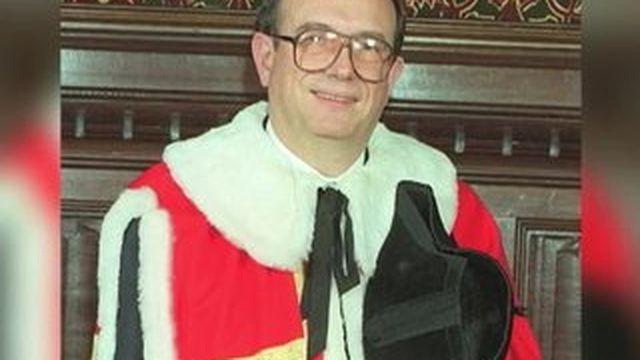 Drogue, argent et prostituées : un Lord britannique fait scandale