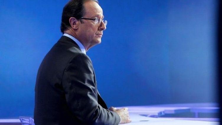 François Hollande travaille sa stature internationale alors que la droite l'attaque sur son manque d'expérience. (AFP - Jacques Brinon)