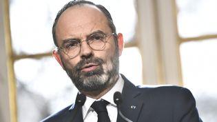 Le premier ministre, Edouard Philippe, lors d'une conférence de presse à Matignon, à Paris, le 13 février 2020. (STEPHANE DE SAKUTIN / AFP)
