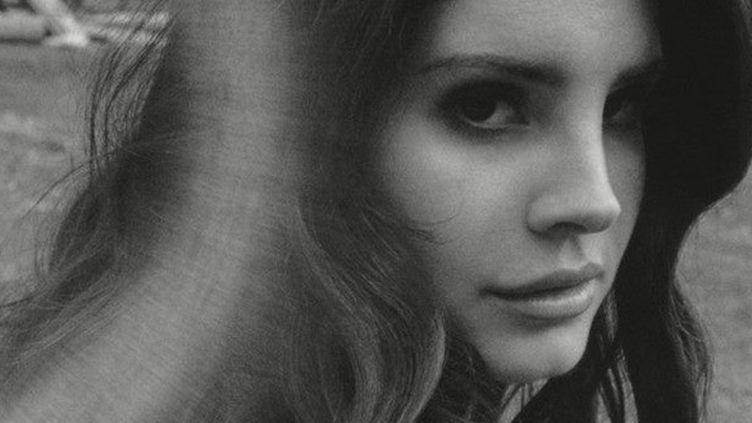 """Pour """"Ultraviolence"""", Lana Del Rey semble avoir opté pour les photos rétro en noir et blanc.  (Lana Del Rey Facebook)"""