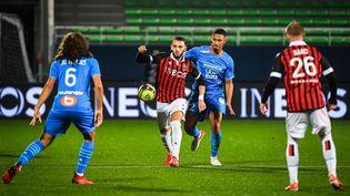 Niçois et Marseillais se quittent dos à dos dans le match à rejouer de la 3e journée de Ligue 1. (MATTHIEU MIRVILLE / DPPI via AFP)