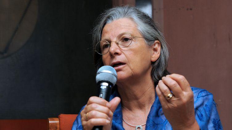 La chercheuse Annie Thébaud-Mony, directrice de l'Inserm, le 6 mars 2011 à Ahmedabad (Inde). (SAM PANTHAKY / AFP)