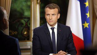 Emmanuel Macron lors de sa première interview à l'Elysée, à Paris, le 15 octobre 2017. (PHILIPPE WOJAZER / AFP)