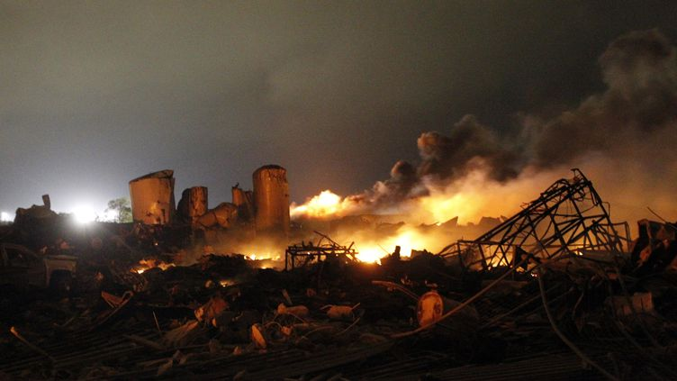 Une explosion s'est produite dans une usine agricole, le 18 avril 2013, à West (Texas, Etats-Unis). (MIKE STONE / REUTERS)